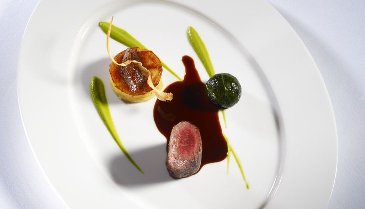 Dukes London, is both understated and elegant. Located in the heart of London on St. James' s Place it is the perfect place to access the City. Enjoy fine British cuisine at THIRTY SIX by Nigel Mendham. http://www.slh.com/hotels/dukes-hotel-london/