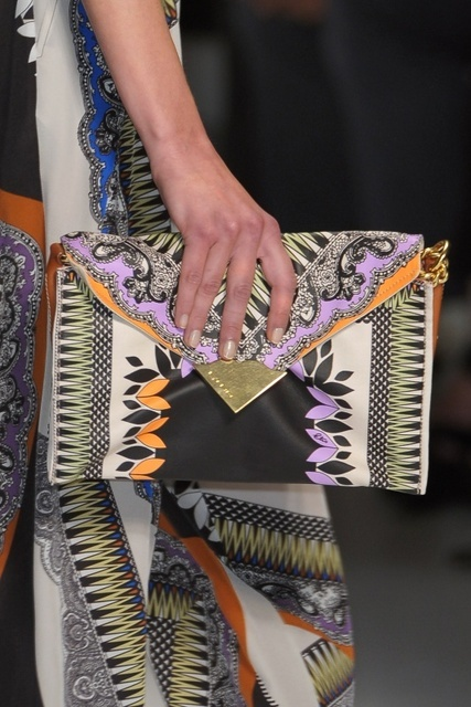 stunning bag br Etro, posted at my blog here: http://appliquefashion.blogspot.com/2011/08/etro-spring-summer-2011.html