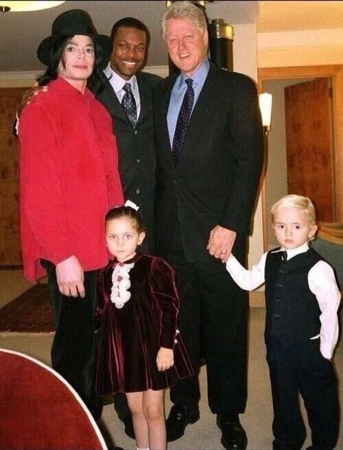MJ, actor Chris Tucker and President Bill Clinton with children Paris and Prince 2002