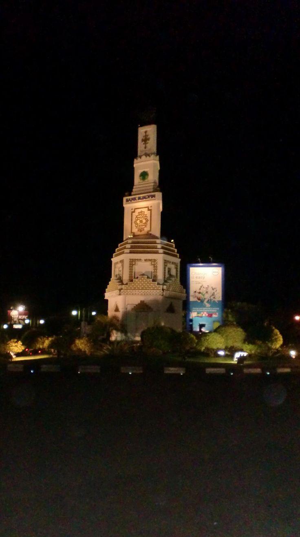 Simpang Lima at Night, Banda Aceh