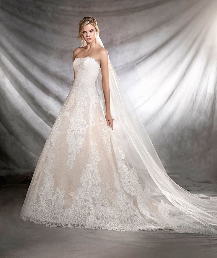 Pronovias: ORIETA - Tulle and lace wedding dress, fitted to the hip