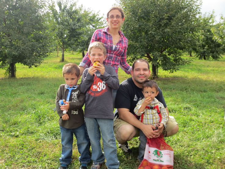 Fishkill Farms Apple Picking