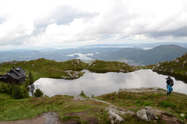 In the mountains of Bergen you make walk arround or walk down again to the city you've seen from above.