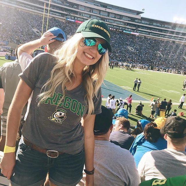 Great time at the Oregon Ducks game!  .  .  .  .  .  #football #oregonducks #universityoforegon #lifestyleblogger #gameday #oregon #ducks