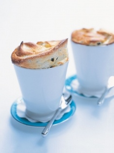 Donna Hay - Passionfruit souffle