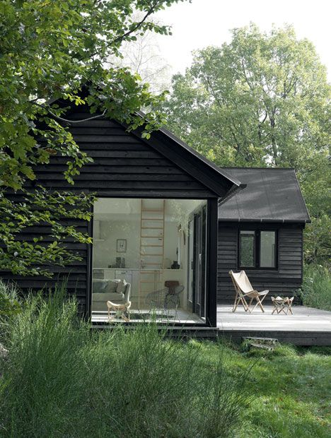prefab vacation cottage by Danish manufacturer Mon Huset