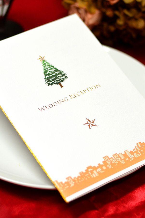 手作り【席次表キット】クリスマスツリー クリスマスツリーをメインにホワイトクリスマスをイメージしたシンプルなデザインの手作り席次表キット。 クリスマスシーズンの挙式に、こんなペーパーアイテムで結婚式会場の雰囲気を盛り上げるのはいかが? メールで送られてくる専用ワードテンプレートを使えばお家で簡単に作成・印刷ができちゃいます!