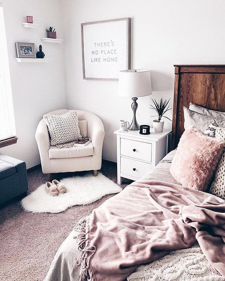 "1,231 Likes, 4 Comments - #LTKhome (@liketoknow.it.home) on Instagram: ""Follow @fashionablykay in the LIKEtoKNOW.it app to shop her pretty-in-pink bedroom look  