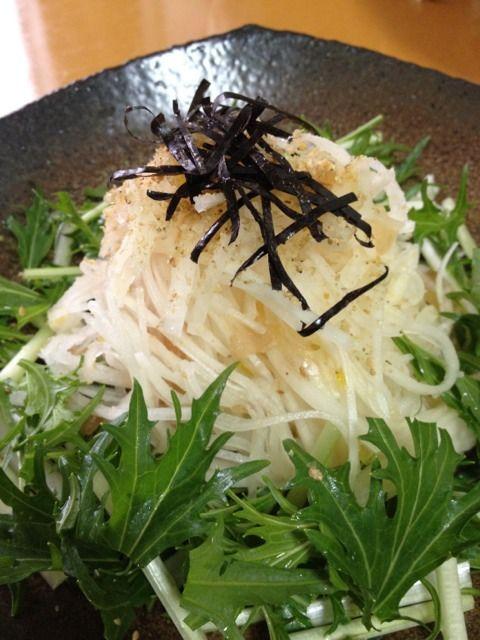 柚子ジャムドレッシング~! - 2件のもぐもぐ - 水菜と大根サラダ by maruko831