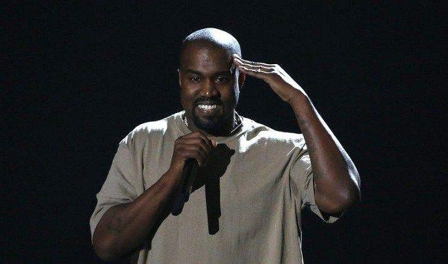 """Cadena de restaurantes ofrece """"trabajo"""" al endeudado Kanye West"""