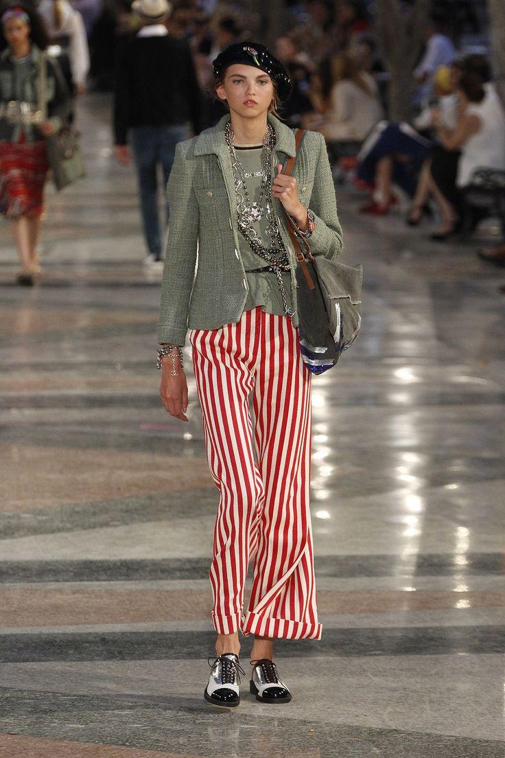 Chanel Resort 2017 Fashion Show - Molly Blair