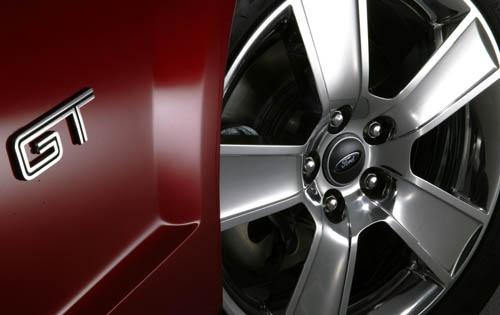 2006 Mustang GT Premium Wheels