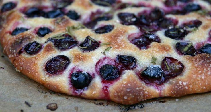 Focaccia con uva | BACK TO SCHOOL #ricetta #merenda #ritornoascuola #foodconfidential