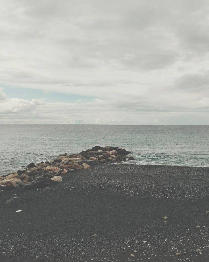 Smile. #unangeloinviaggio  #italy #italia #calabria #cosenza #cetraro #mare #sea #seaside #viaggio #adventure #nature #naturelovers #travel #travelgram #igtravel #paesaggi_italiani #paesaggicalabresi #igersitalia #igerscosenza #igerscalabria #sud #amepiaceilsud #volgocalabria #volgocosenza #vivocalabria #vivocosenza #visitcalabria #calabriadaamare