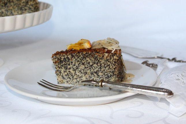Torta ai Semi di Papavero e Mele Avete mai provato una torta senza burro e senza glutine? UnaDONNA.it vi svela la sfiziosa ricetta
