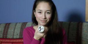 15歳天才美少女が体温で発電するLEDライトを発明し、2013年Googleサイエンスフェアの最終15人に選ばれる!