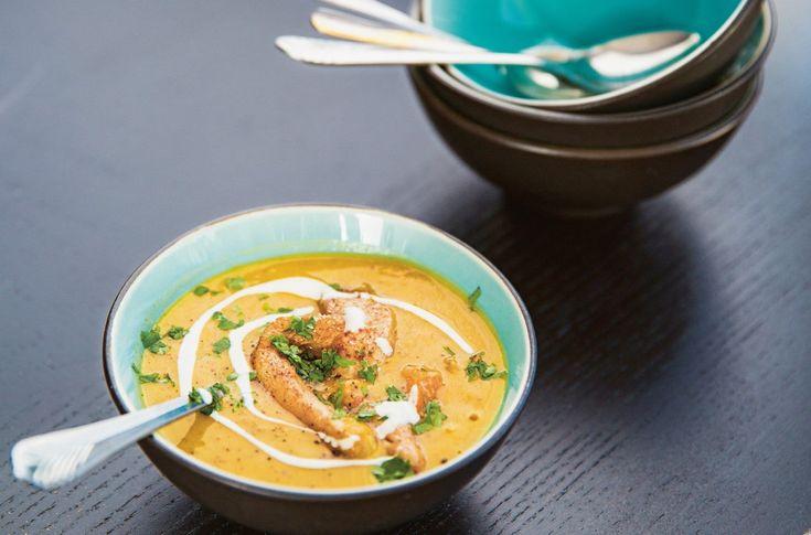 Deilig suppe med grønnsaker og linser.