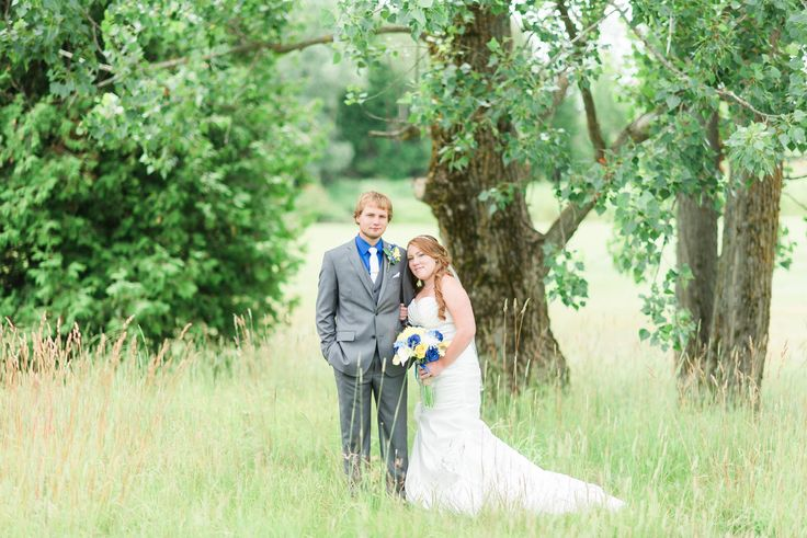 We have many beautiful spots for your wedding photos! Make sure to call Shelburne Golf & Country Club for details!