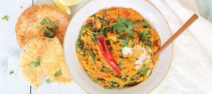 Dahl is een Indiaas gerecht gemaakt van linzen, in dit geval rode linzen. Een bron van eiwitten en dus enorm geschikt als vegetarisch gerecht.