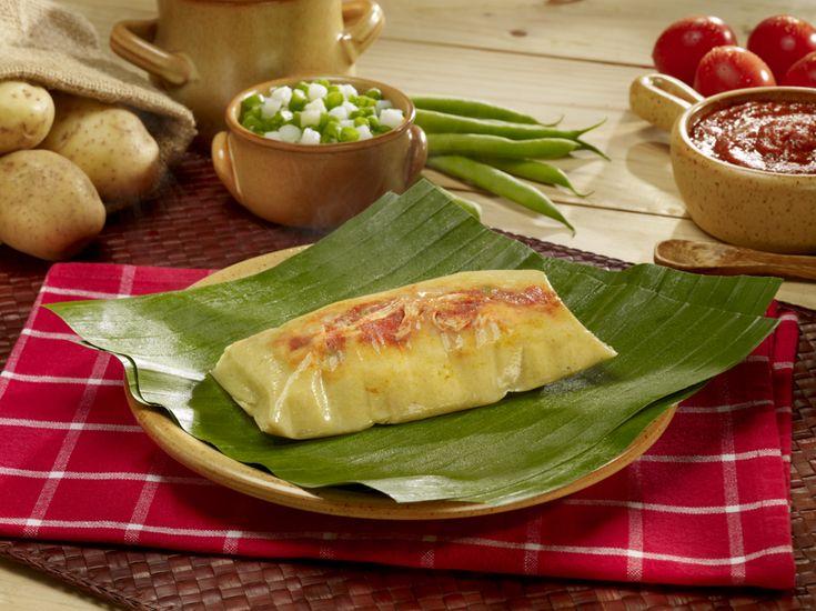Tamales, Comida de Honduras es facíl a hacer y es tortillaz de maíz ese tiene pollo o carne de vaca con queso.