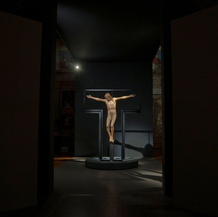 architetto Fabrizio Cattaruzza - allestimento al Museo Diocesano Padova - Donatello: crocifisso proveniente dalla chiesa di Santa Maria dei Servi - Padova
