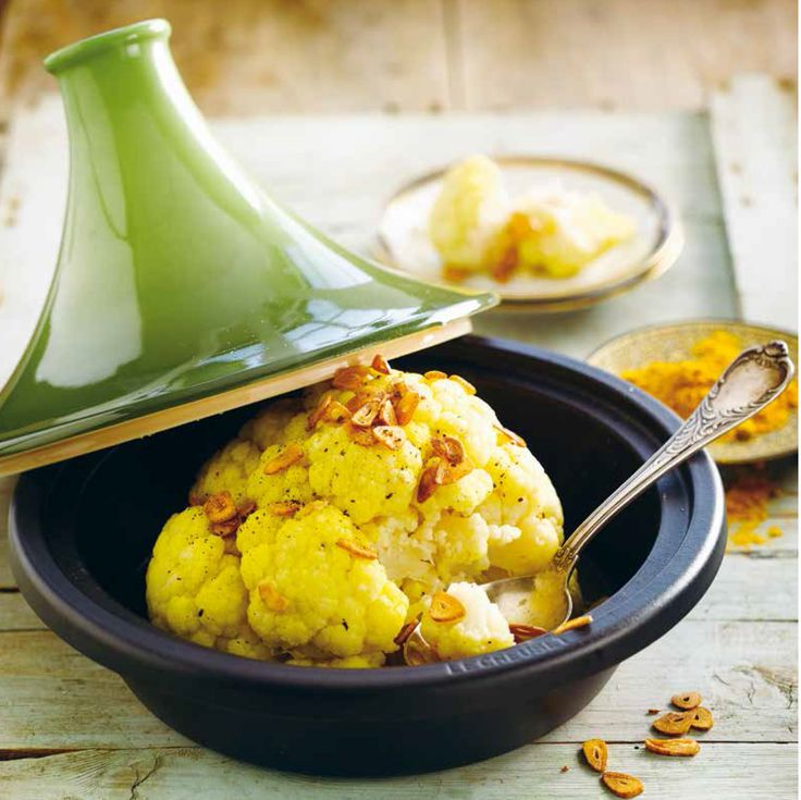 Le Creuset Tagine (Cauliflower with Garlic Slices and Turmeric)