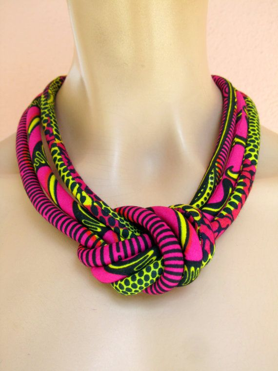 Collier rose chaud / Collier noeud / cire africaine d'impression tissu / noeud Bijoux Collier de cordon /fabric / Hot rose bijoux