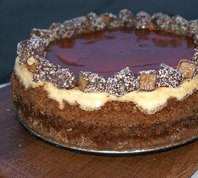 Authentic Suburban Gourmet: Almond Roca Cheesecake