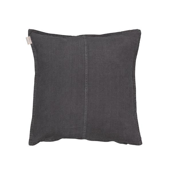West Cushion Størrelse: 50 x 50 cm Materiale: 100% forvasket hør Designer:  Linum Farve:       Sort www.houseofbk.com
