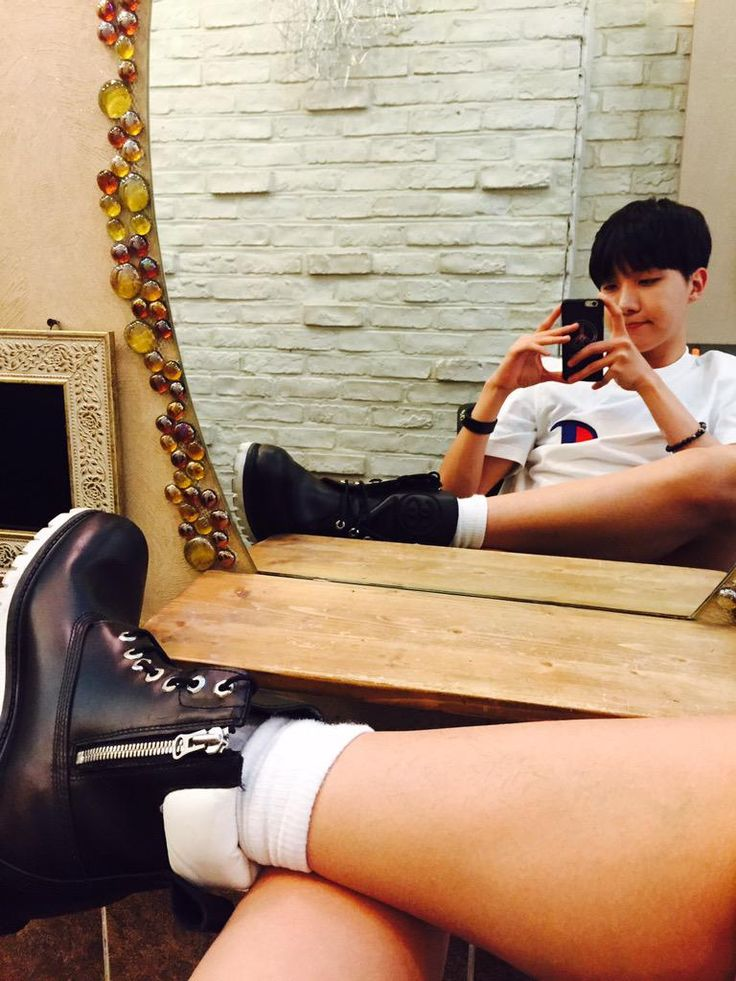 """BTS Tweet - J-hope (selca) 150527 -- 오예오예 오늘 엠카도 화이팅 !!!!  HiM 주때여-- [TRANS] """"OhyeahOhyeah let's hwaiting for today's MCountdown!!!! Please give us strength(HiM ='strength' in korean)""""   -- cr: ARMYBASESUBS @BTS_ABS"""