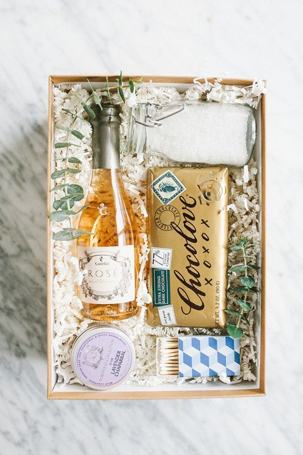 Hi, friends it's Jen from The Effortless Chic! While Eden is busy soaking up all of the baby snuggles and that delicious newborn scent, I offered to drop by with a little DIY post for you guys. We had actually already shot this little gift box number, but it seemed particularly fitting for Eden. She …