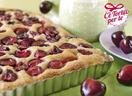 Schiacciatina con #ciliegie: una gustosa #merenda diversa dal solito...  Scopri la gustosa ricetta...