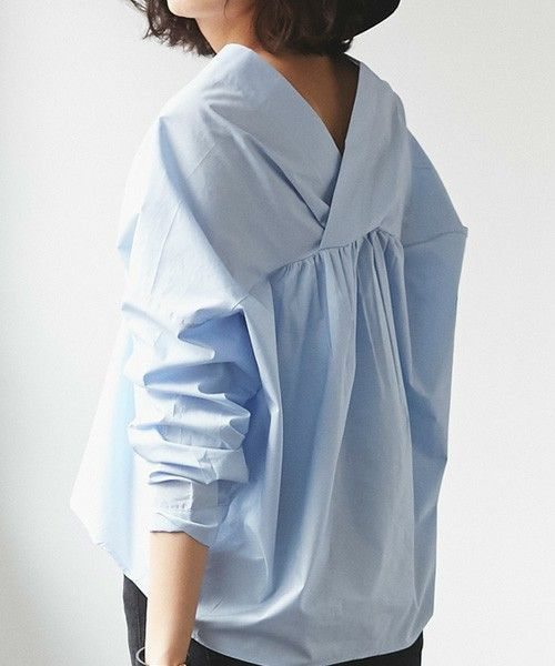 【ZOZOTOWN】&. NOSTALGIA(アンド ドット ノスタルジア)のシャツ/ブラウス「衿抜き変形Vネックシャツ」(1-112459)をセール価格で購入できます。