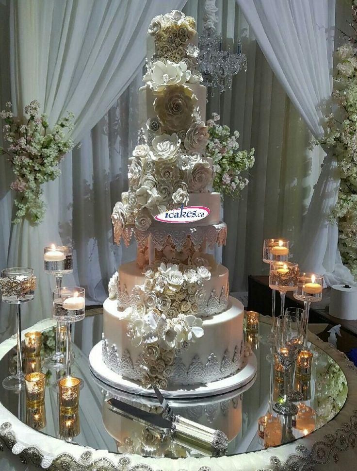 Last week special, a superb #weddingcake from #irresistiblecakes. Everything edible!  #weddingcakes #wedding #cakesvaughn #Cakes #cakestoronto #cakesbrampton #icakes #cakesmississauga #cakesgta #bigwedding #edibleflowers #gumpasteflowers #gumpastecakes