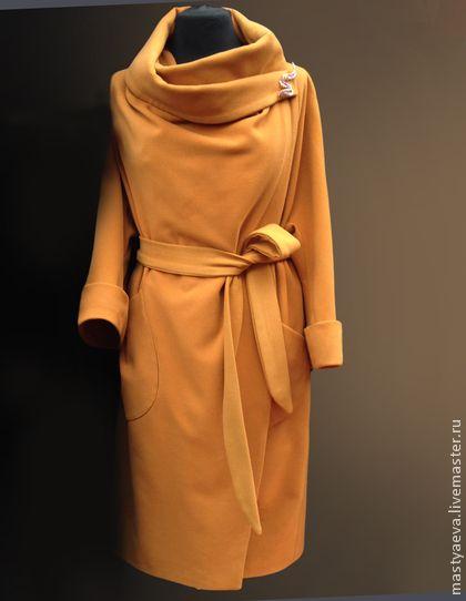Пальто `Карим`. Пальто демисезонное свободного силуэта 'халатного ' типа. Цельнокроеный рукав, широкий воротник, который можно по разному задрапировать. Носится как под пояс таки без отлично смотрится и получается в стиле оверсайз.