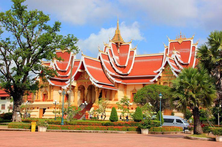 http://www.vietnamitasenmadrid.com/laos/wat-thatluang-neua.html Wat Thatluang Neua