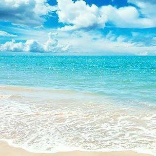 【yyaaasaan】さんのInstagramをピンしています。 《綺麗すぎるうみー!✨ 沖縄に行きたい! 早く夏になって裸足で駆け回りたい✨ .  #海 #透き通る水 #夏 #裸足 #夏 #水着 #ビーチ #beach #sea #ビキニ #夏休み #happy #ocean #me #bikini #旅行 #love #japan #l4l #swimwear #沖縄 #夏の思い出 #リゾート #ダイエット #いいねした人全員フォローする #follow4follow #followme #followback》