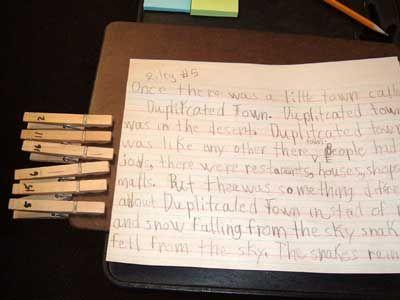 Oppilailla on omalla nimellään varustettu pyykkipoika,jonottamisen sijaan he tuovat sen open pöydälle ja opettaja voi kutsua oppilaan, kun hänen vuoronsa tulee.