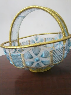 How to make plastic canvas basket.