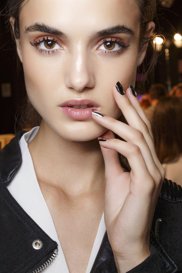Manicure: trendy wiosna-lato 2015,DSquared2, fot. Imaxtree