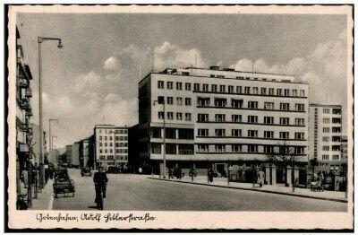 Ul. Świętojańska widoczna kamienica Jòzefa Skwiercza, architekci Jerzy Müller i Stefan Reychman zaprojektowali ją w 1935 r. w nurcie późnego funkcjonalizmu. Wyd. A. Jurgens