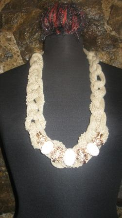 necklase  only 25 €