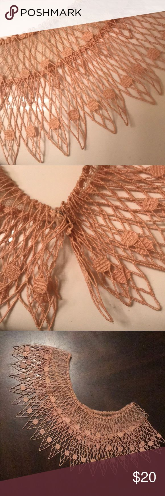 VINTAGE LACE COLLAR APPLIQUÉ Vintage crochet lace collar with snap button Vintage Accessories