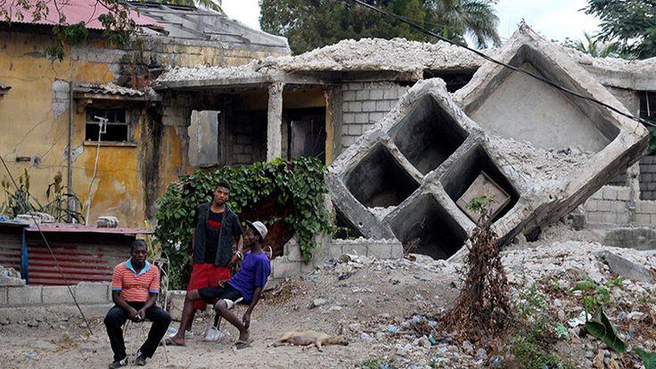 Tras recaudar cerca de 500 millones de dólares para las operaciones de socorro después del devastador terremoto en Haití en 2010, la Cruz Roja Americana ha construido un total de 6 casas, según un nuevo informe.