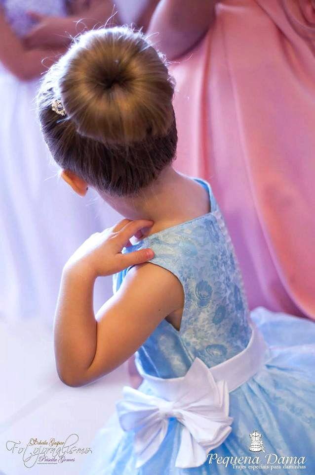 Ideias de Vestidos para Damas de Honra   Blog Site da Noiva -  Vestido Daminha Princesa Azul   Pequena Dama