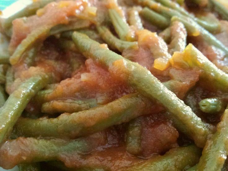 Fagiolini con Pomodoro al Varoma. Mi hanno regalato questa bella fagionina (noi la chiamiamo così) biologica solitamente usata solo per insalata