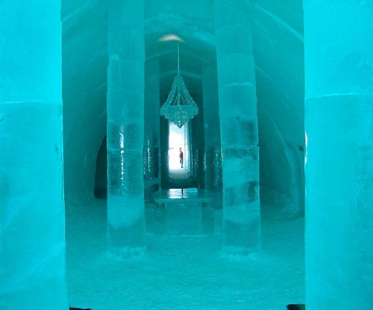 Dormir en un hotel de hielo. Hay una en Quebec, Canadá, y otro en Jukkasjärvi, Suecia.