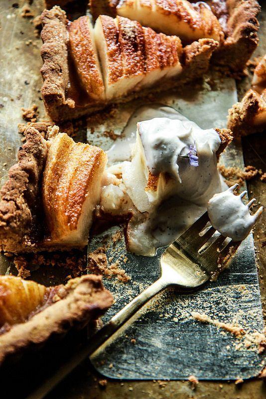 Gingerbread Pear Tart -gluten free and vegan