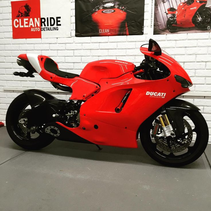 Another week an another Ducati Desmosedici RR freshly detailed and protected with Swissvax Crystal Rock after a 4 stage Rupes machine polish - che bella! #autodetailing #bikesofinstagram #cleanride #ducati #desmosedici #rr #swissvax #rupes #perth #westernaustralia #whenareyoubooking @ducati @ducatidaily @ducatisofinstagram @ducatistagram @sydney.ducatista.doc
