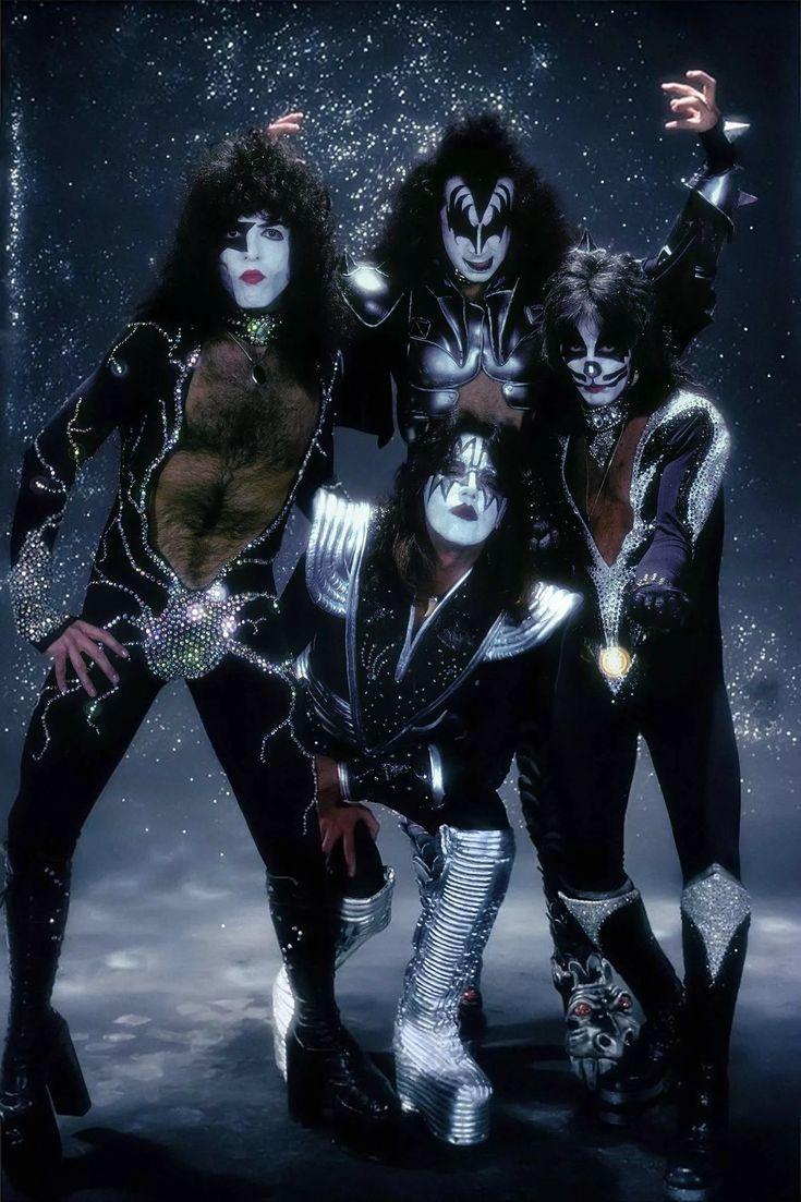привлекательно они фотографии плакаты рок групп центре